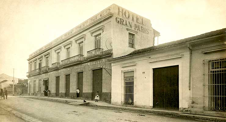 Hotel Gran París en Matanzas. Fuente: Ernesto Fortes Álbum, University of Miami, Cuban Heritage Collection.